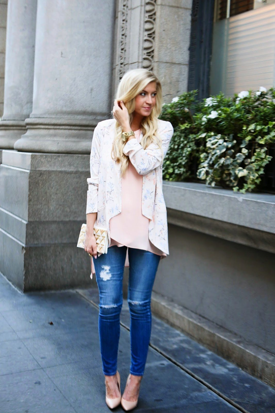 BUMP STYLE BREAKDOWN: DISTRESSED DENIM