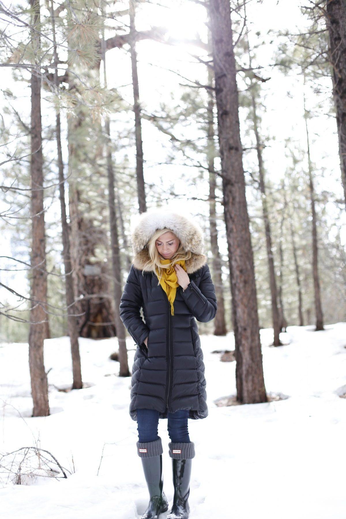 Fur coat + black hunter boots