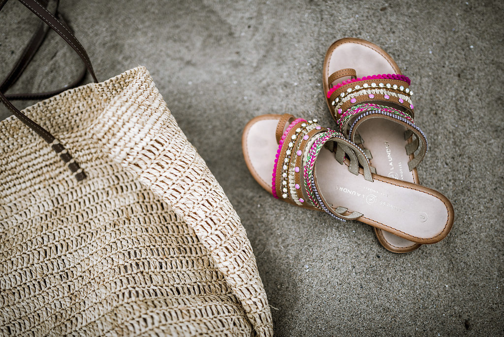 Straw beach bag + embellished sandals