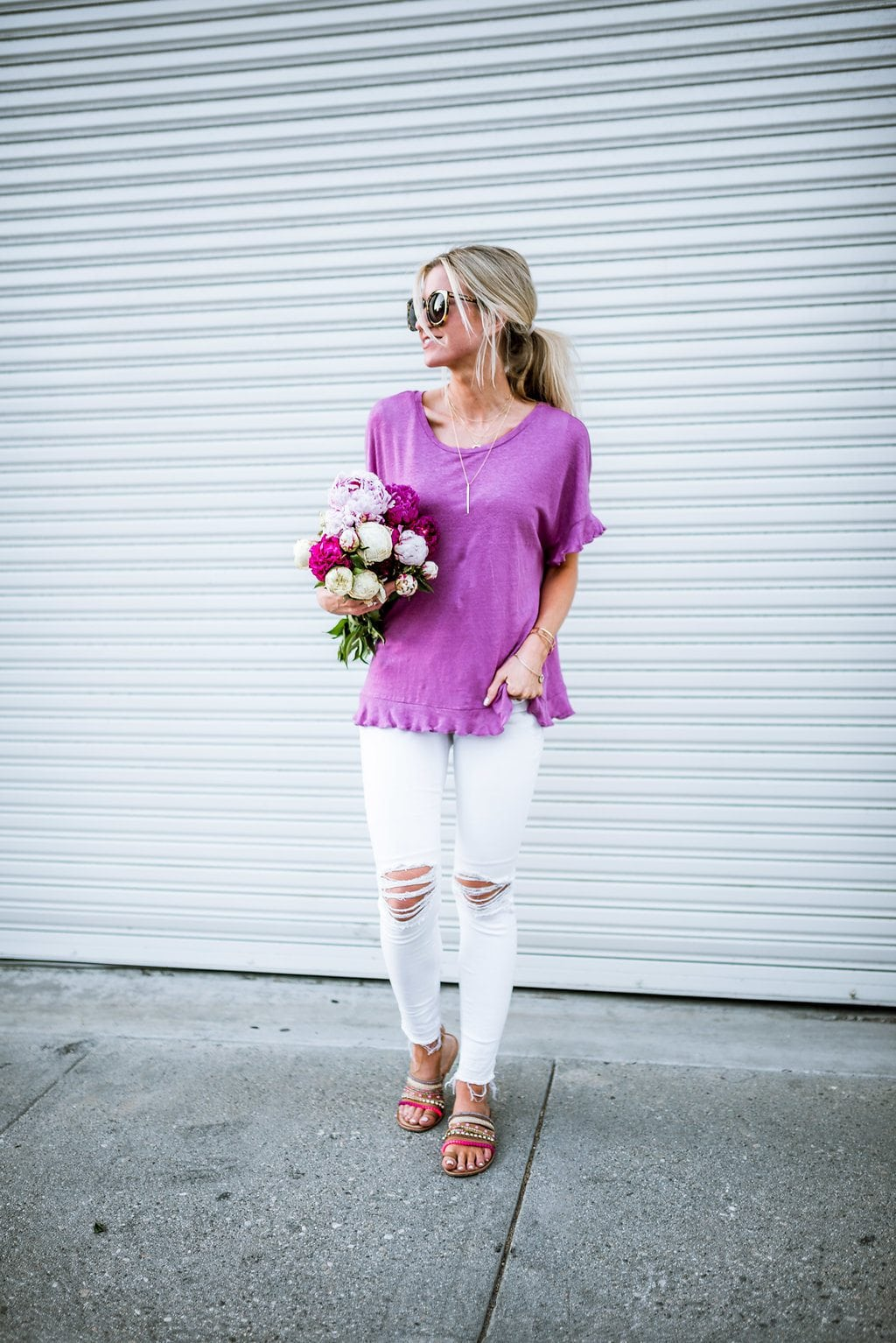 5 Mom friendly summer outfits you will wear nonstop.