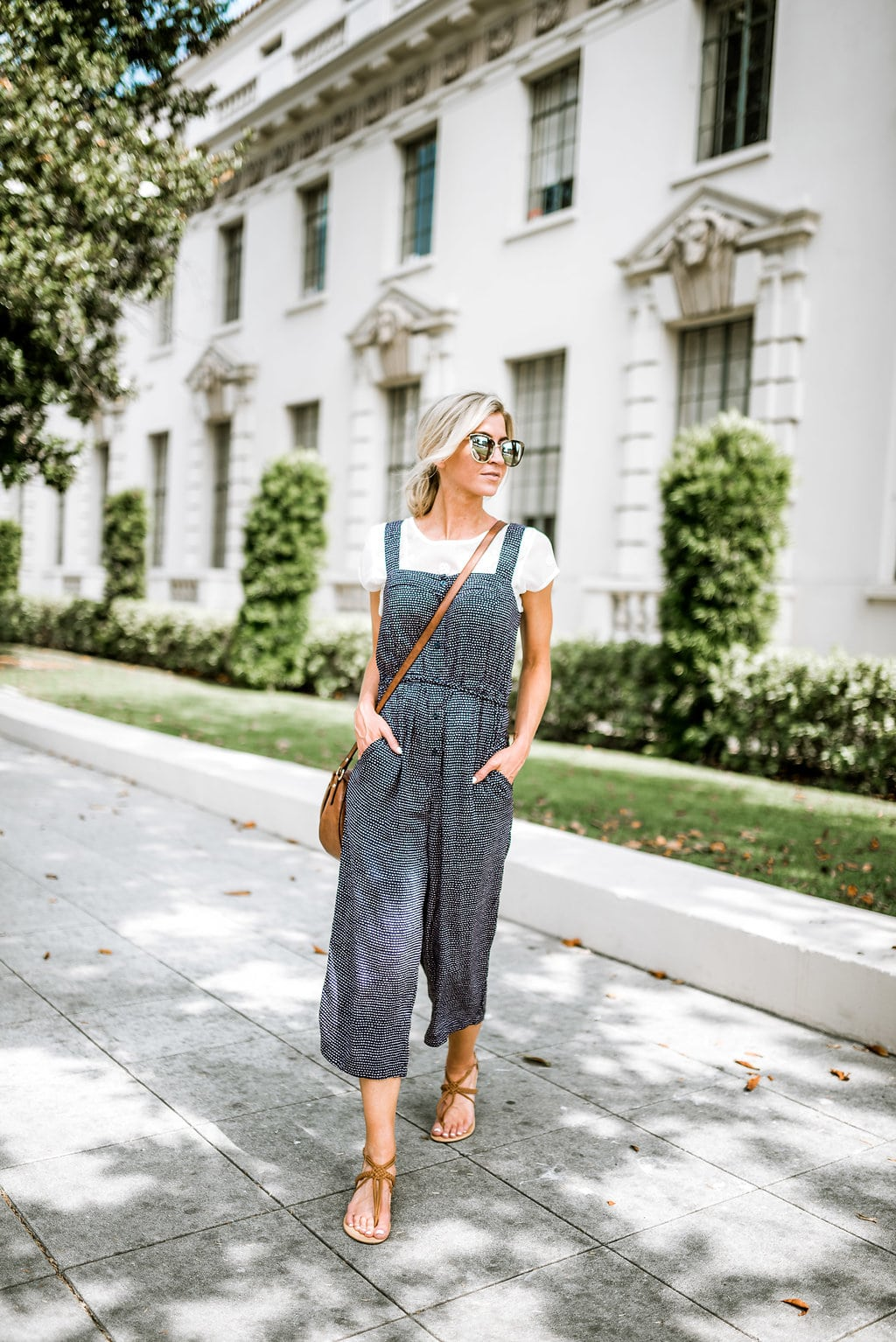 5 Mom friendly summer outfits you will wear nonstop. Jumpsuit