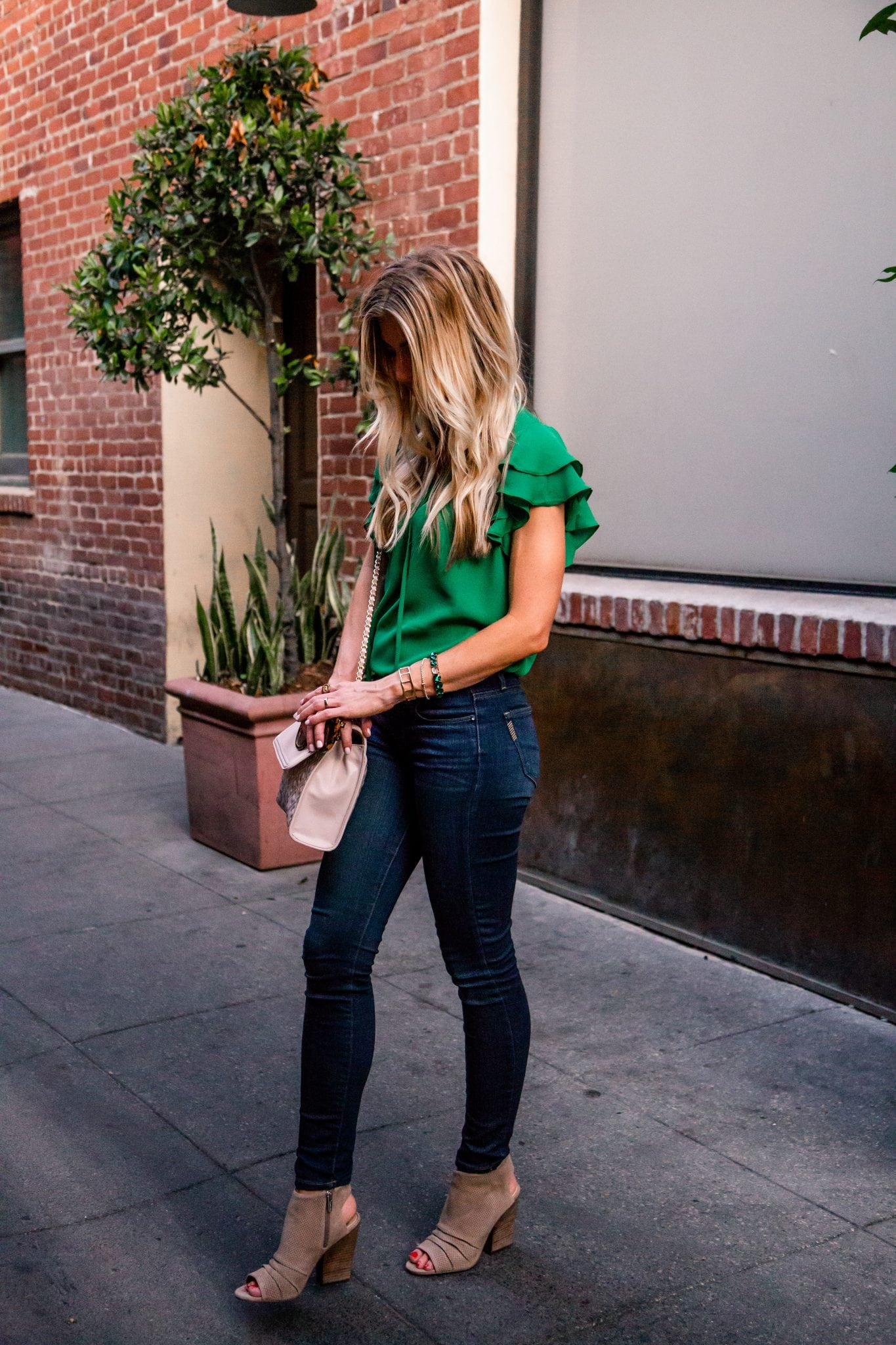 KELLY GREEN RUFFLED TOP | Elle Apparel Blog