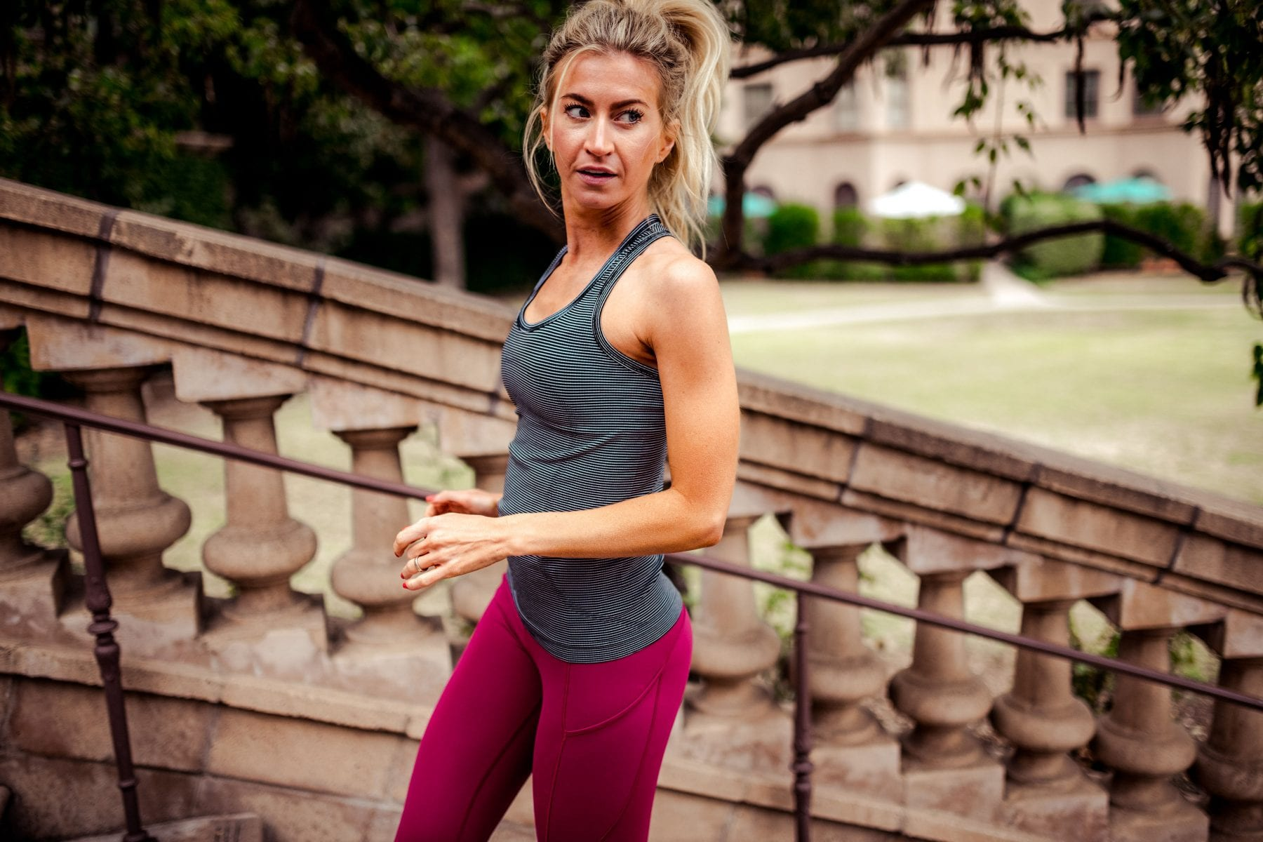 lululemon legging guide.