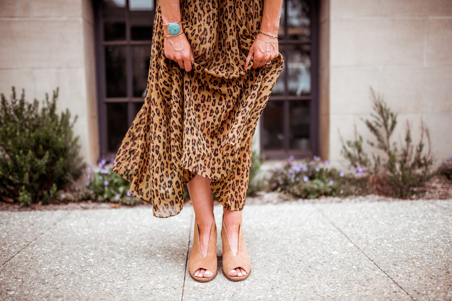 Ways to style a leopard print skirt